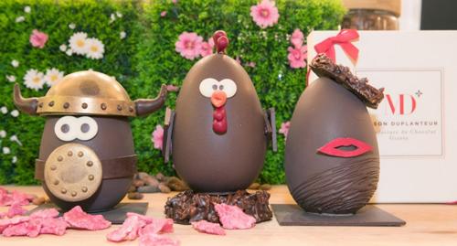 Chocolats De Pâques. La Chasse Aux œufs