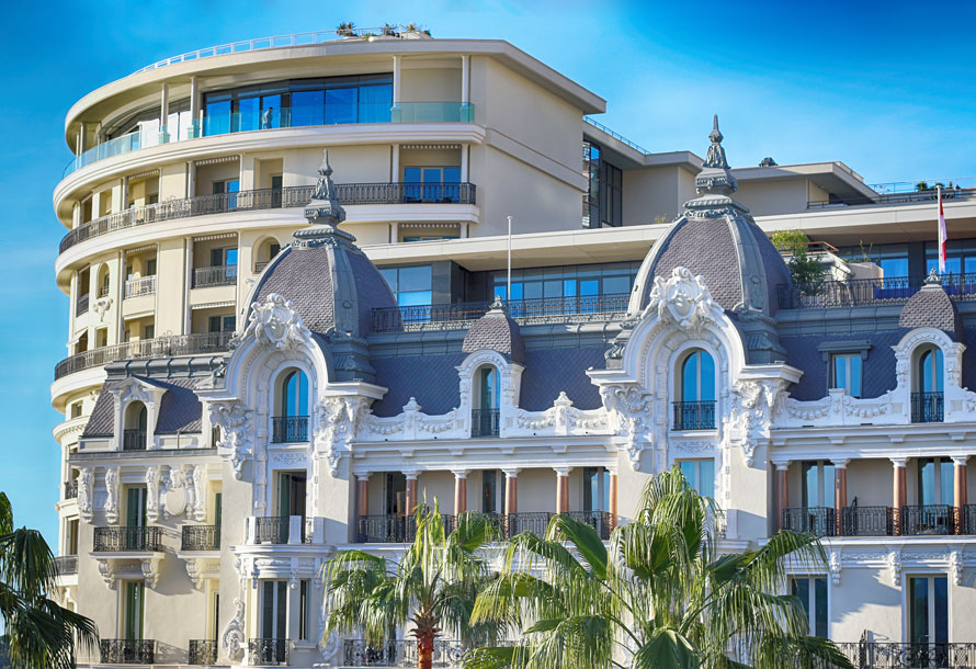 "Hôtel de Paris Monte-Carlo. Classé ""five-star"" par le Forbes travel guide"